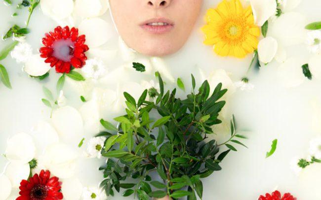 Badewannen Shooting mit Blumen und Blüten | Fotograf Cham, Manuel Plötz