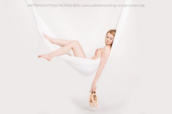 Studio Aktfoto Ballerina, Aktfotograf München Westend
